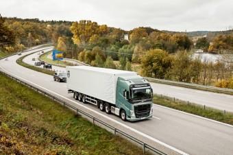 volvo-vh-truck-highway