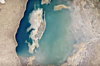 Aralskoe-more-iz-kosmosa