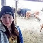 В ВКО 20-летняя связистка решила посвятить жизнь животноводству