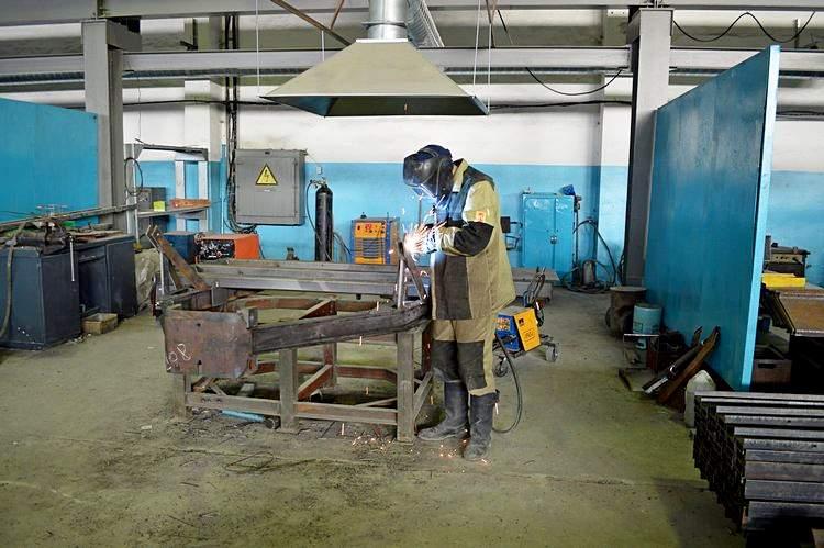 Изготовление рамы катка. Фото: АгроИнфо