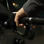 На 21% подорожал за год бензин в Казахстане