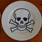 Опасную еду в Казахстане будут маркировать красными стикерами
