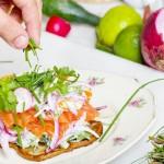 Самые опасные «летние» продукты назвали в Минздраве
