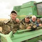 На полях Костанайской области идёт битва за урожай