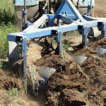 Нужно ли платить какой-либо налог и сдавать декларацию при импорте сельхозорудия из России в Казахстан?