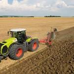 Аграрии Казахстана делают ставку на мощные тракторы