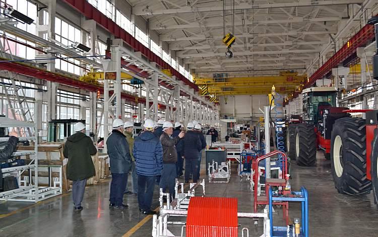 Тракторный цех / Фото: Представительсво компании Ростссельмаш в Казахстане